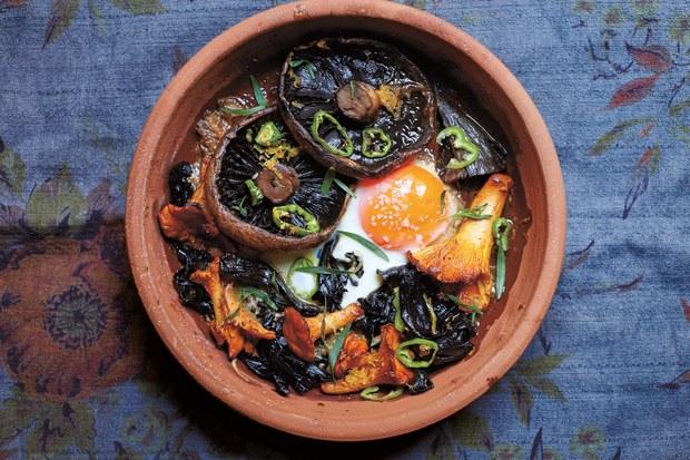 Makanan.club's Sautee Mushrooms and Egg